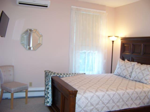 G.B. Carrier House Inn - Brookville - House