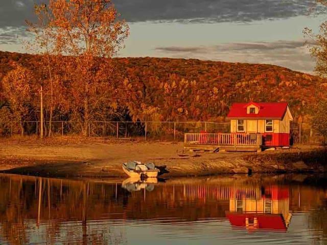 Cozy Cabin on Findlay Farm 20 mins from Ottawa