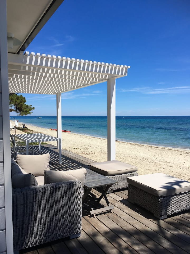 Front Sea Bungalow, directly on the beach-VIGNALE-