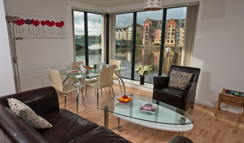 'Odyssey' city apartment with lovely river views!