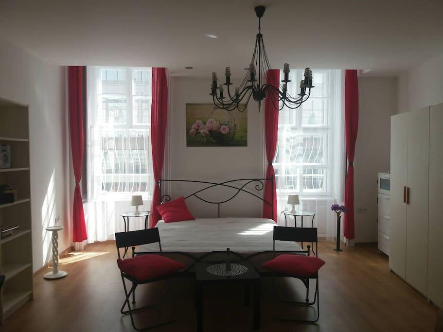 Larger bedroom, king bed