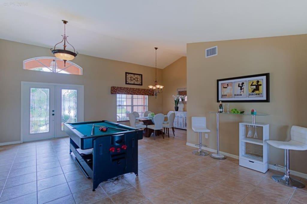 Gulf-Retreat Pool Billiard Room
