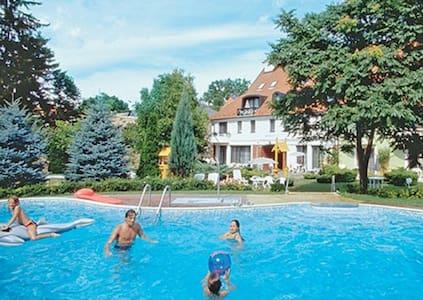 *Keszthely, HUNGARY, 1 Bdrm #2/2833 - Lägenhet