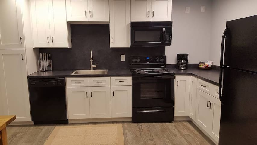 Fully-equipped kitchen with all new appliances