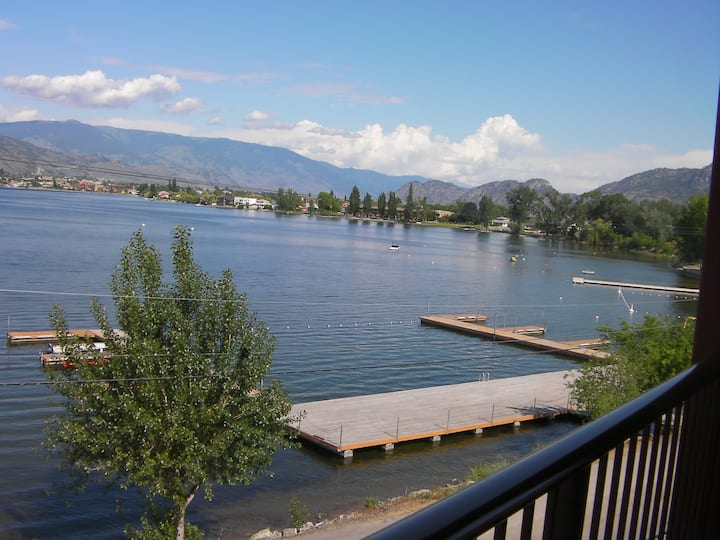 Osoyoos Penthouse with Spectacular Views
