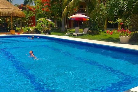 MARVELLOUS 2 Bdrs. VILLA POOL & BEACH  sleeps 5 - Плайя-дель-Кармен