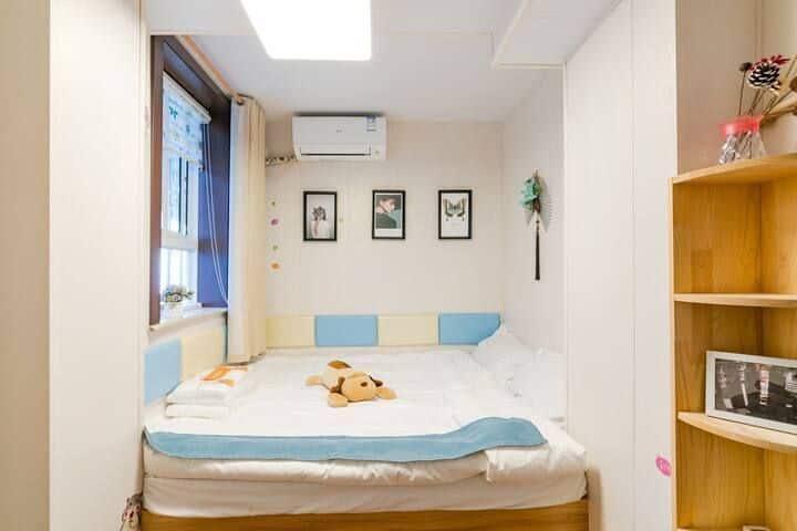 (底价长租4100元)《外滩,南京路,七浦路》精致蓝色二房,第一人民医院附近