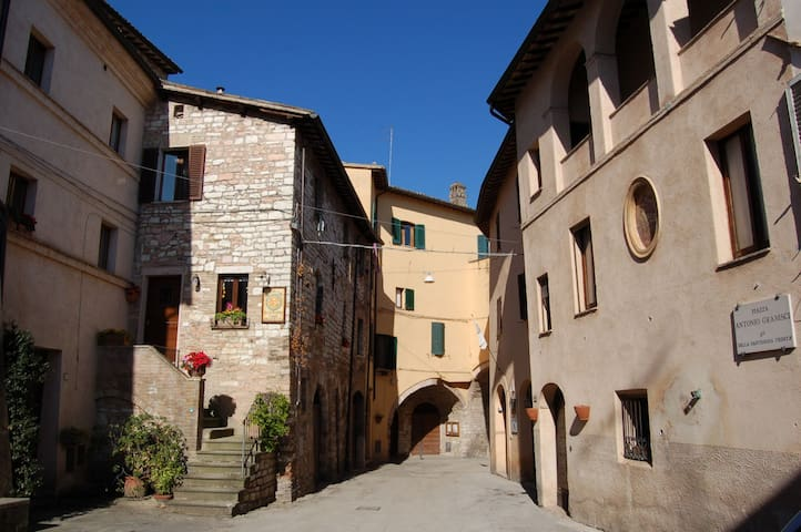 ANCIENT STONES apartment in Umbria - Spello - Daire