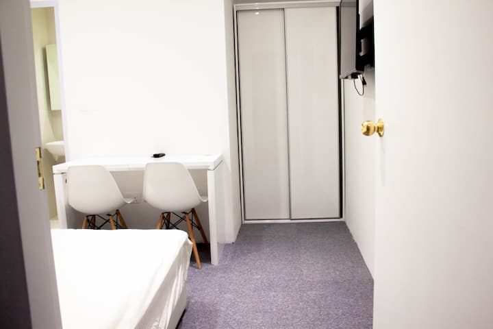 Private En-Suite BR /WIFI @ Orchard/Central area
