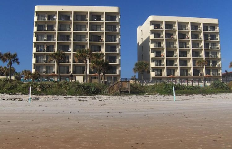 One Bedroom Luxury Condo, Ormond Beach (A586)