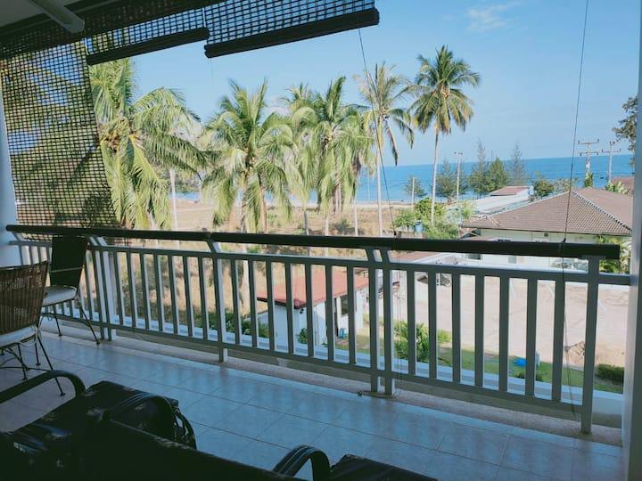 V37 Dolphin Beach - Strändnära lägenhet