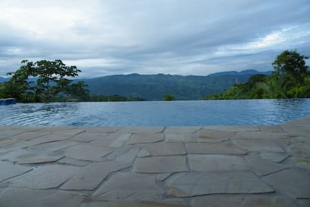 Luxury Castle, Infinity Pool & Jaw Dropping Views! - Ateny - Dom