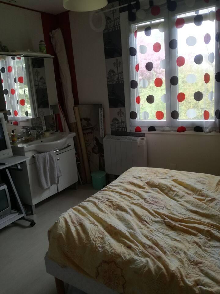 Chambre double avec lavabo