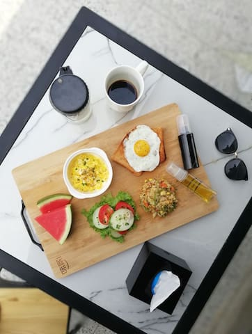 Breakfast included for all guests