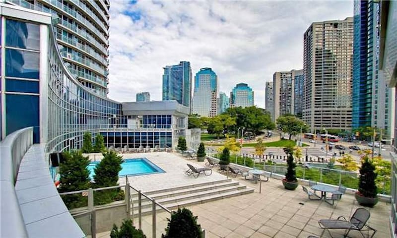 1BR- Beautiful condo in downtown Toronto