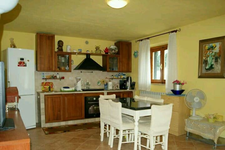 Beautiful panoramic b&b in Tuscany - Vitolini, Toscana, IT - Casa