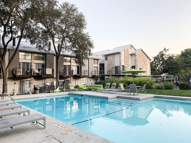 Private Flat in Barton Springs - 3 Min to Downtown