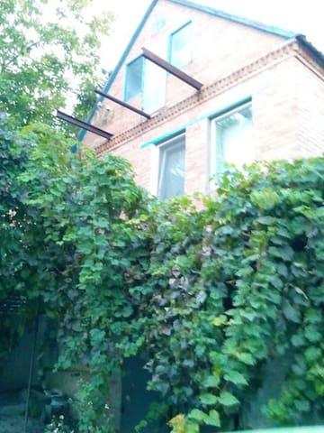 Загородный дом - Dnipropetrowsk - Haus