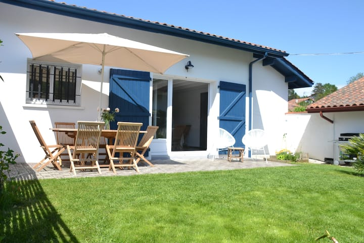 Quiet house with garden - Beach & Guéthary on foot