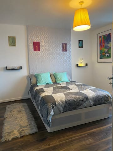 ⚜️Comfortable & Lovely Room Close To The Center ⚜️