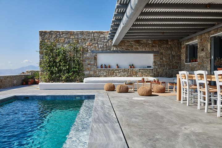 Cycladic villa with marble pool - top of the hill - Mykonos - House