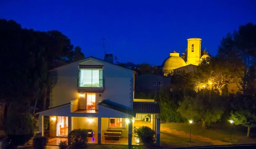 Espectacular Cottage entre les vinyes y Montserrat