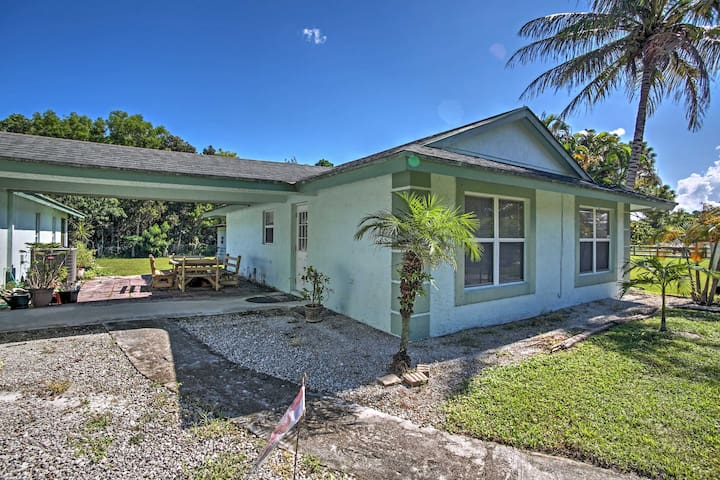 NEW! 2BR West Palm Beach House on Active Ranch!