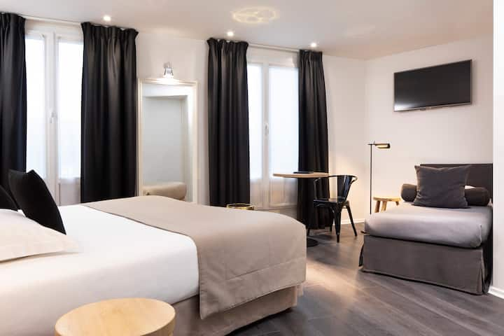 Hotel room by the month Montparnasse area
