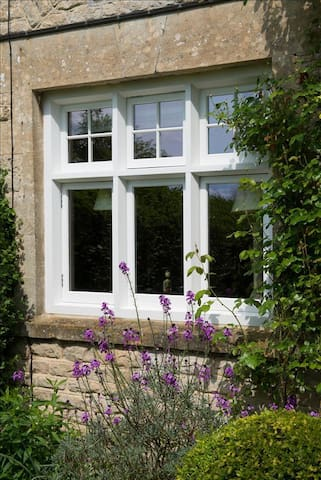 Cosy Cottage in the Heart of the Cotswolds! - Bourton-on-the-Water - อื่น ๆ