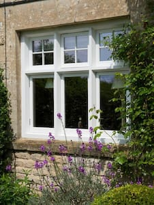 Cosy Cottage in the Heart of the Cotswolds! - Bourton-on-the-Water - Jiné