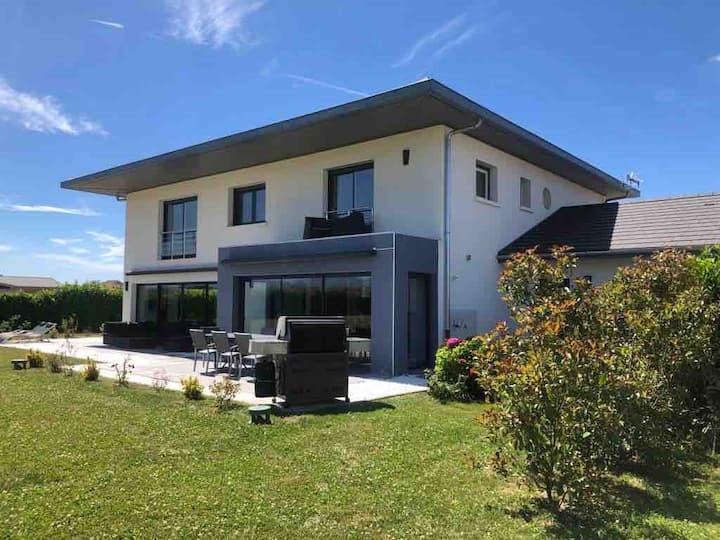 Villa haut de gamme 450m2 calme et magnifique vue