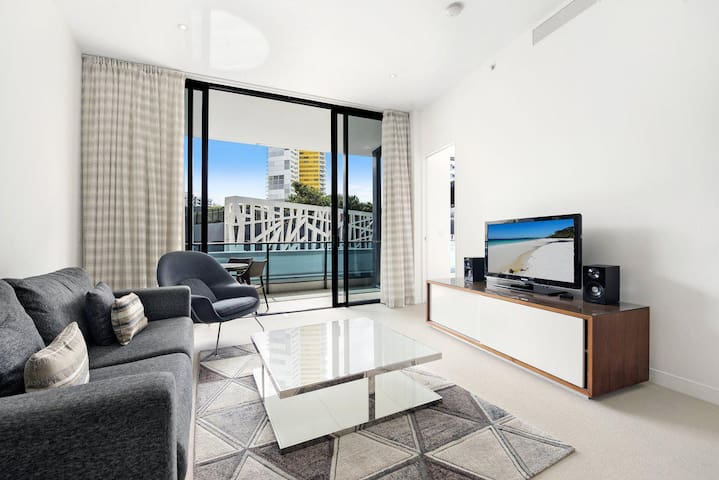 Oracle Resort 1 Bed + Study Apartment