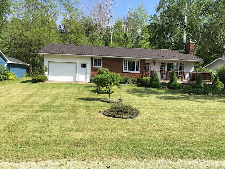 Broadview Ave - Lake Valley Grove - Cottage
