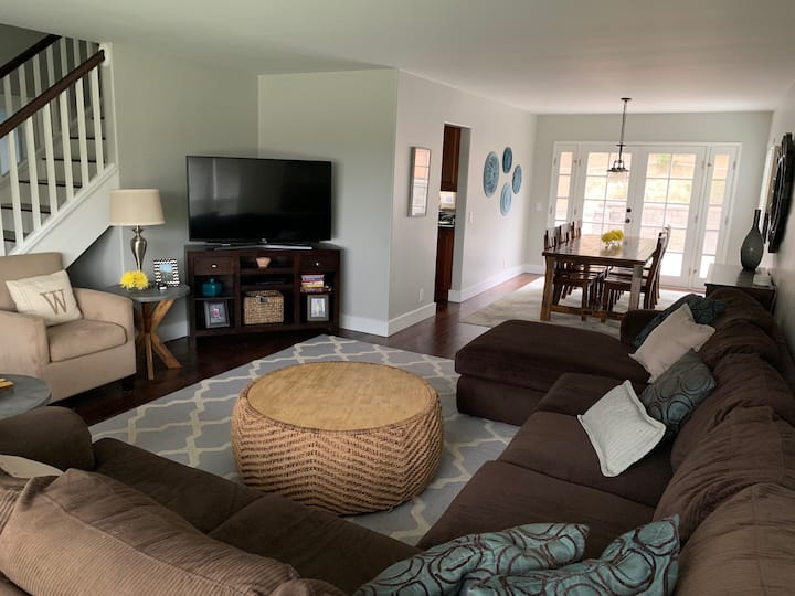 Carlsbad Paradise. Family Friendly 4BR w/ Hot Tub
