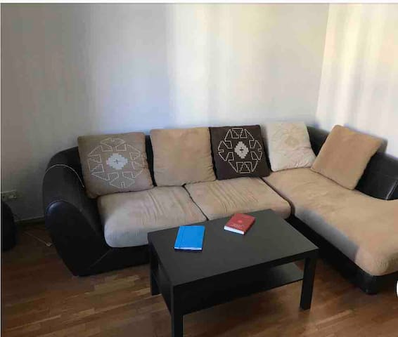 Beautiful room with double bed, central Barcelona