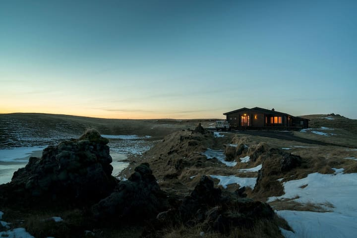 Seglbúðir - Exclusive Villa by the River Bank
