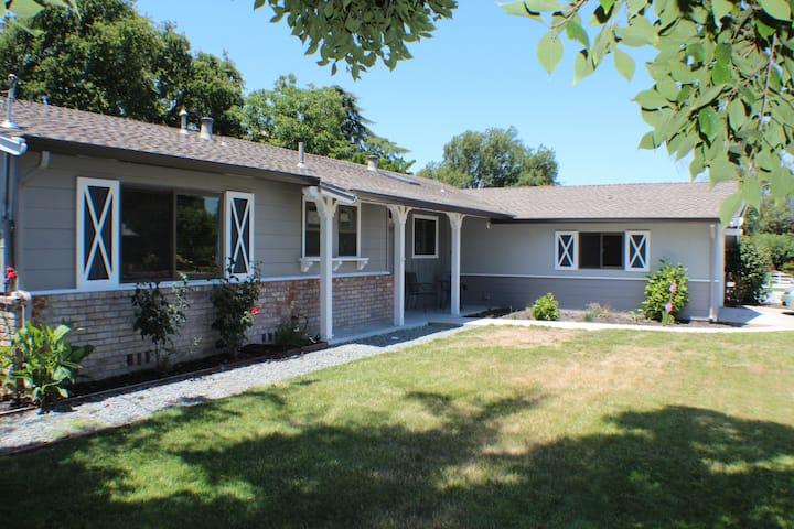 Conveniently Located Walnut Creek House 3bd, 2bath