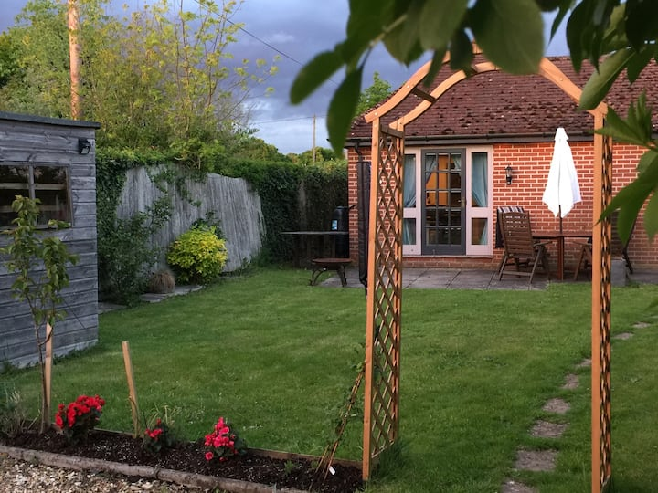 Two bedroomed cottage on New Forest doorstep