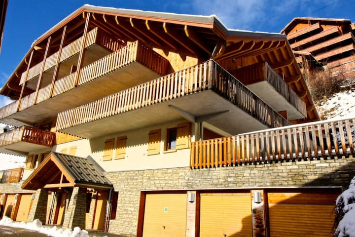 Lovely 2 bed ski apartment in Vaujany