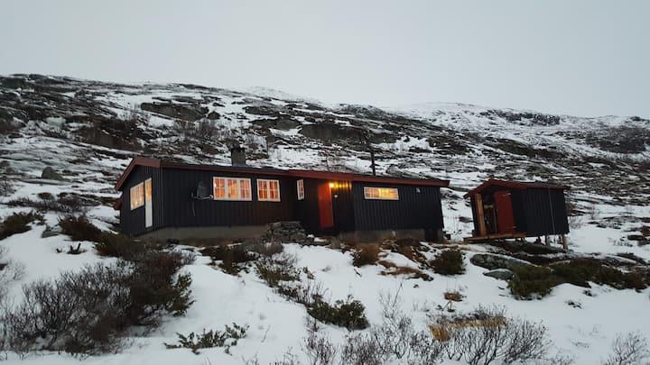 Hytte på Breistølen - Fjellturer sommer og vinter