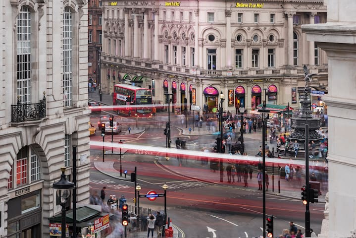 TOP! -20%! Luxury overlooking Piccadilly Circus