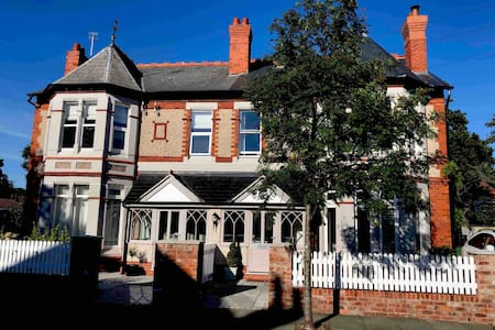 Beautiful 3 bed apartment in West Kirby