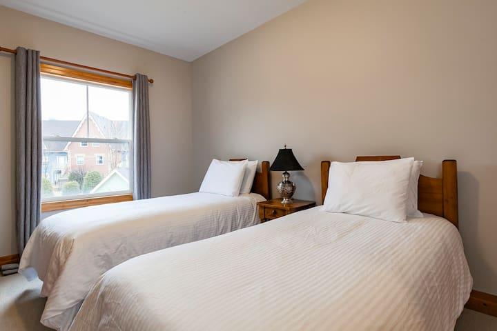 Two Single Beds - Main Floor