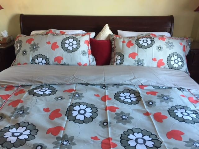 king bed folded with a five star bed set for your comfort and enjoyment