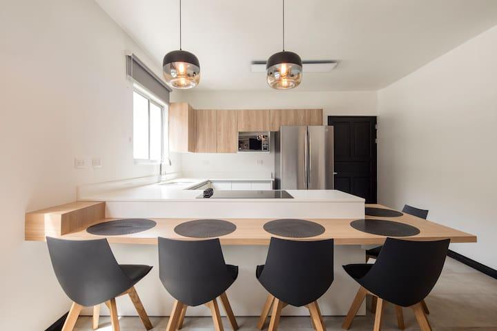 Ko-Uruca en Robledal Flats Apartamento 3.3