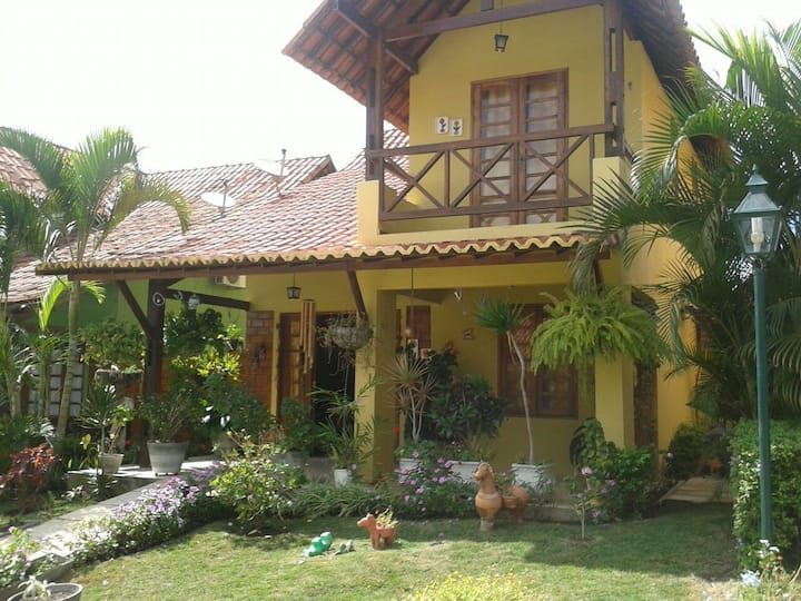 Casa 03 quartos + mezanino. Cond. Village da Serra