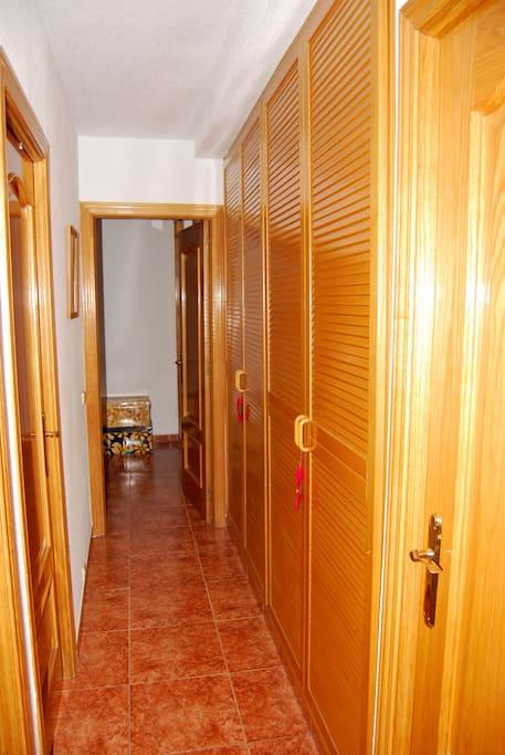 Amplia vivienda con comunicaciones departamentos en for Oficina de vivienda comunidad de madrid