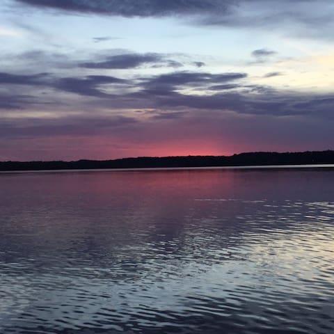 Red Dirt Lodge on Toledo Bend Reservoir Waterfront - Hemphill - Casa