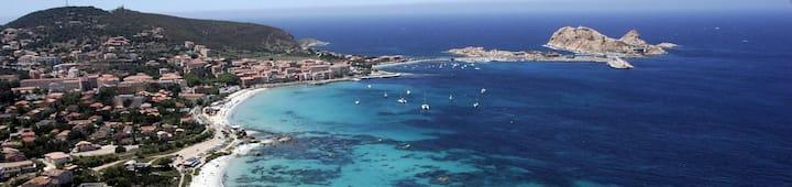 Studio Ile Rousse à 200 m des plages et commerces