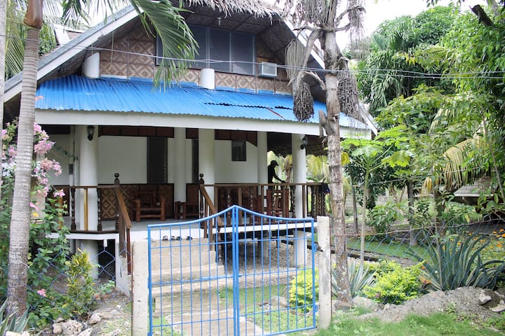 Aircon, kitchen, hammock, upstairs room #2